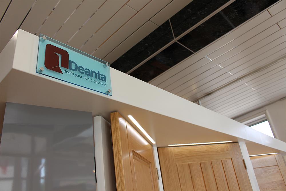 Deanta-Door-Stand-Sign